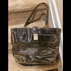 👜distressed shoulder 👜 19 x 13 1/2 inches